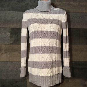 TOMMY HILFIGER turtleneck sweater